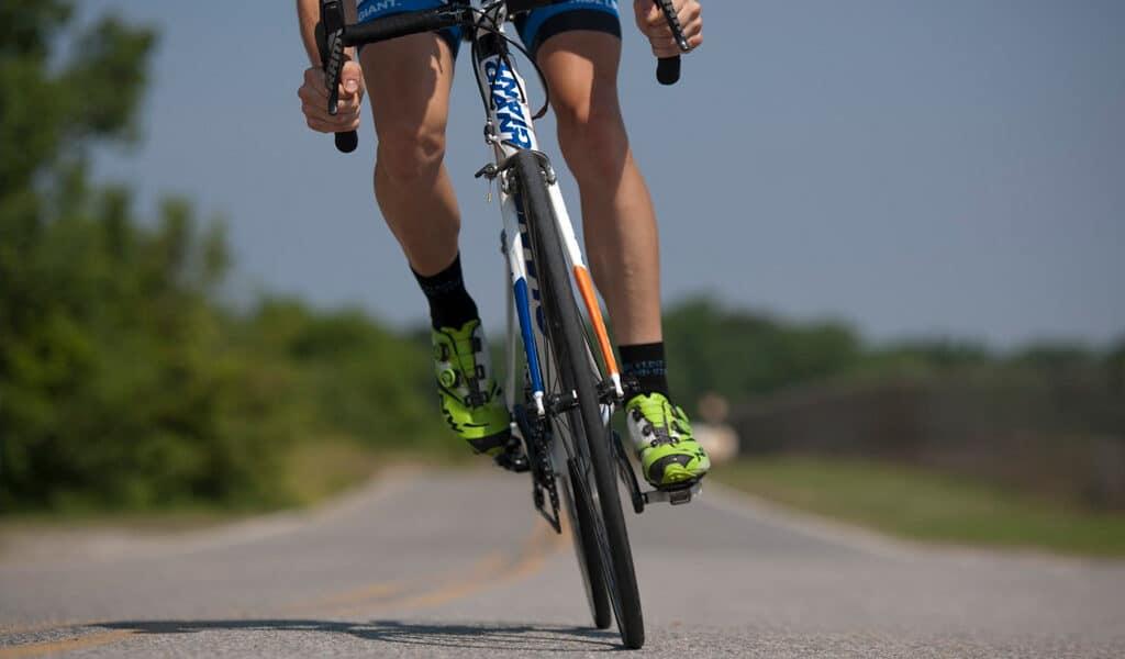 Ciclismo vuelta al Teide. Salida desde el hostel.